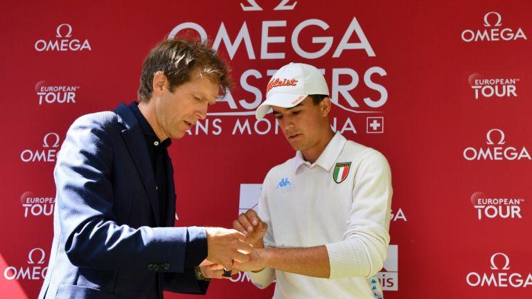 Двама лидери на Omega European Masters, аматьор направи удара на турнира