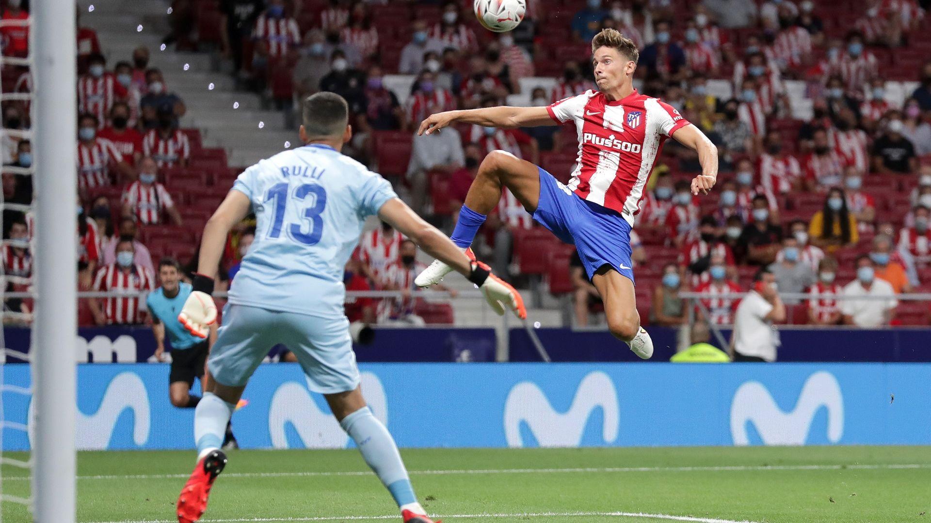 Шампионът Атлетико се спаси след вратарски гаф в края (oбзор)
