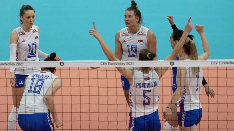 Италия и шампионките от Сърбия се класираха за финалната четворка на Евроволей
