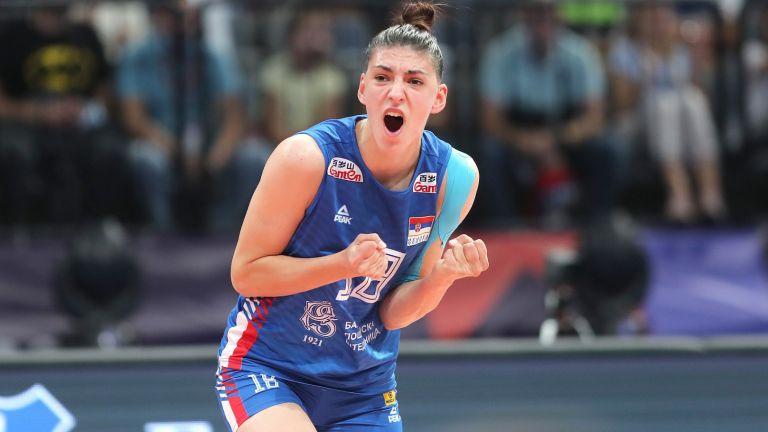 Неудържимата Бошкович прати Сърбия на трети пореден финал