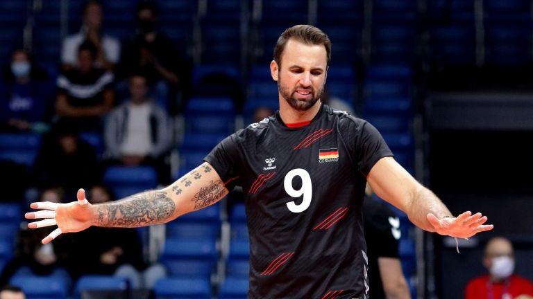 Победи за фаворитите оформиха осминафиналите на Евроволей, Германия чака България