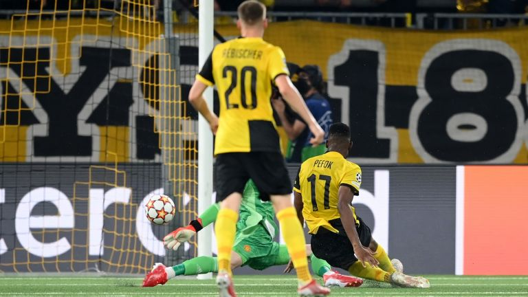 Йънг Бойс шокира Юнайтед в последните секунди въпреки гол №135 на Роналдо в Шампионската лига