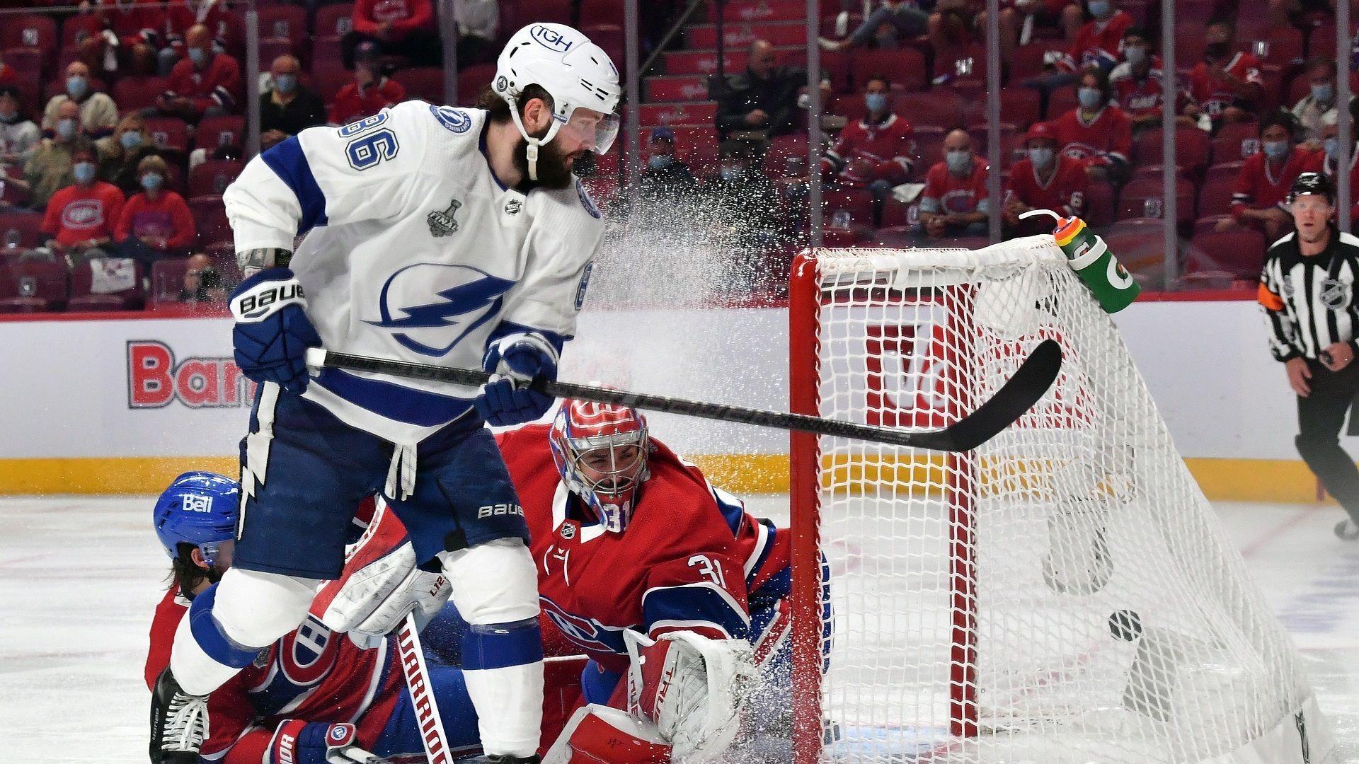 Тампа Бей потегля към трета поредна титла в НХЛ (Програма)